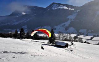 Atom Winterfliegen Gletschirm 320x202 - Höhenschulung HÖHE 15 – Das Wintermärchen geht weiter ;-)