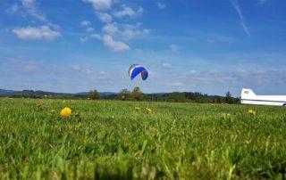 Gleitschirm Wiese Naturschutz 320x202 - Gleitschirmfliegen im Frühjahr aus Sicht der Landwirte im Allgäu