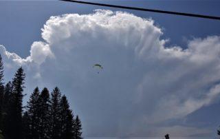 Gleitschirm Gewitter Mittag 320x202 - Gewitter und die Gefahren beim Gleitschirmfliegen