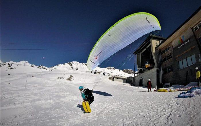 Gleitschirmfliegen Nebelhorn 19.02 2 700x441 - Der Gleitschirmstart im Winter