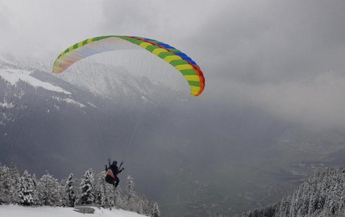 vlcsnap 012019 05 20 12h40m52s111 700x441 - Gleitschirm Alpinschulung Alpin Rodeneck 2 – Vier Jahreszeiten